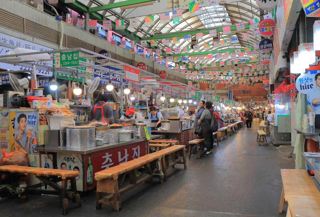Gwangjang market in Seoul South Korea - shopping in seoul