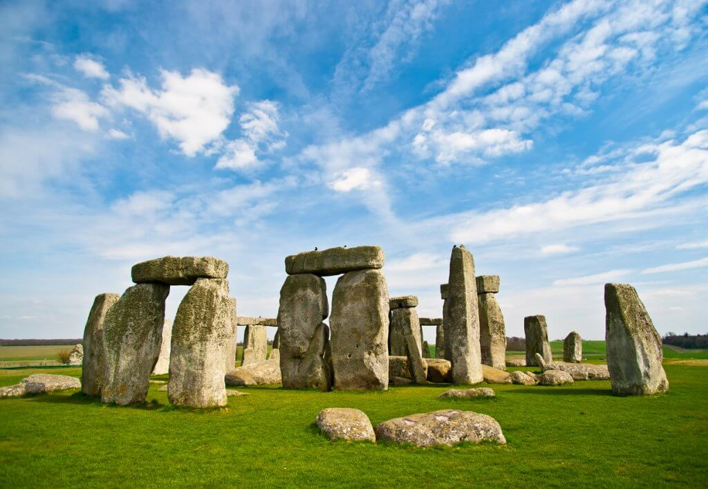 stonehenge, day trips from london