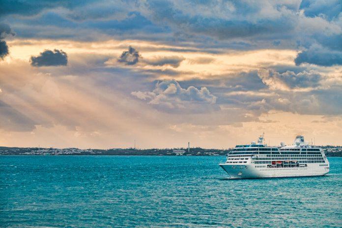 A cruise ship arrives at King's Wharf in the Royal Navy Dockyard, Bermuda - world cruise