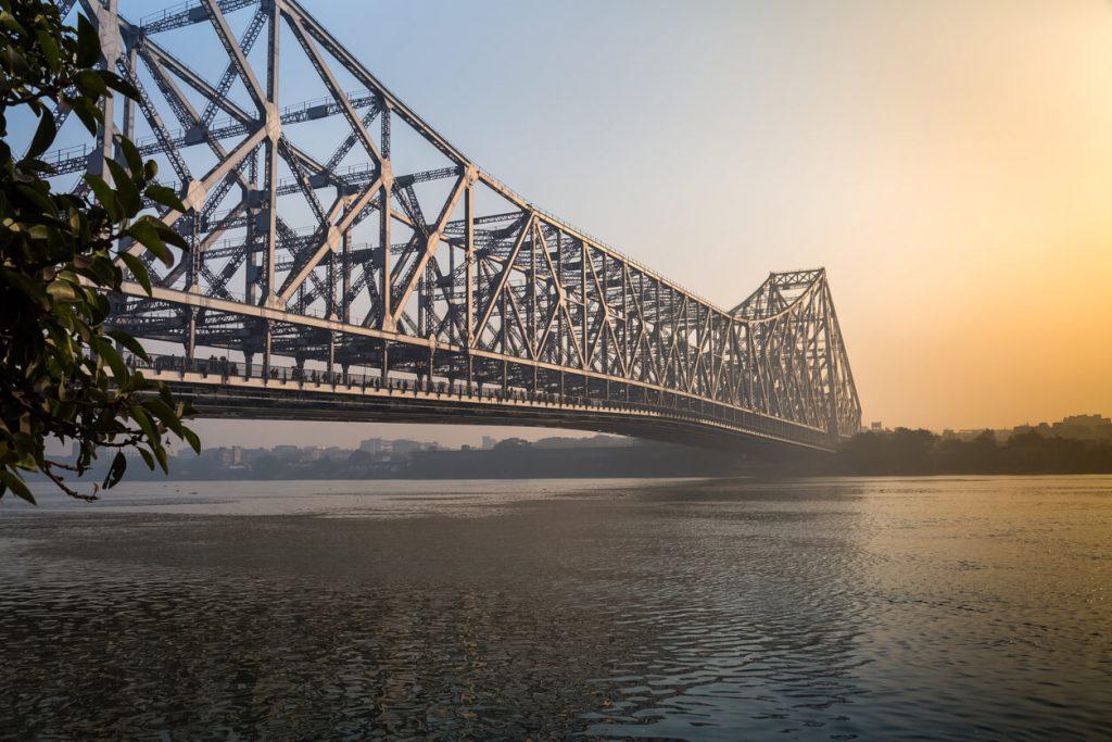 Howrah bridge places to see in kolkata
