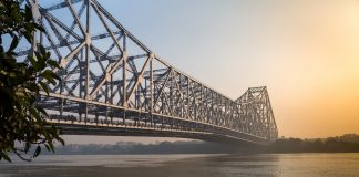 Howrah bridge places to see in kolkata