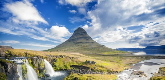 kirkjufell mountain on snaefellsnes peninsula, iceland