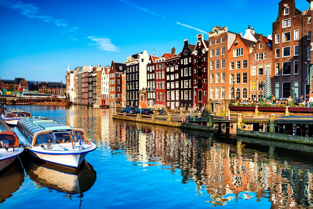 canal in the center of Amsterdam