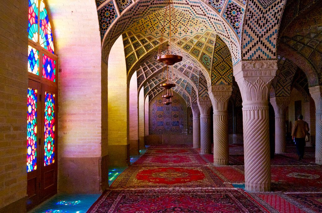 The beatuifully vibrant Nasir-al-Molk Mosque