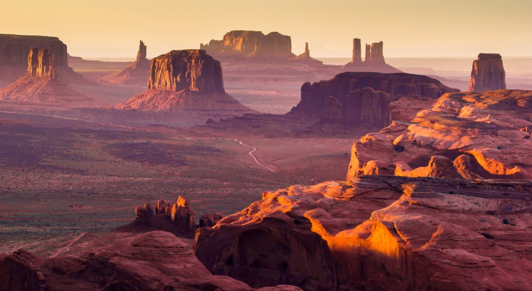 The Hunt's Mesa, Monument Valley USA