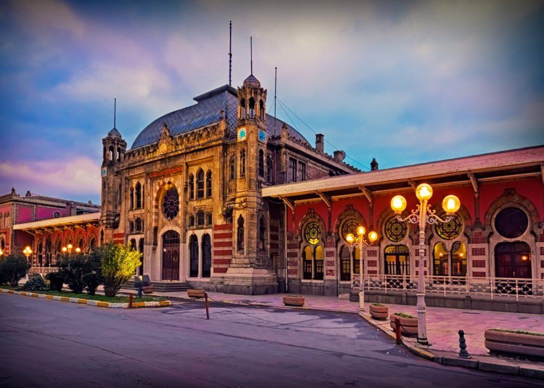 Istanbul Sirkeci Train Station / Turkey