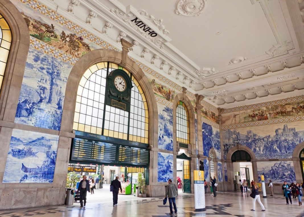 Main hall of Sao Bento Railway Station in Porto