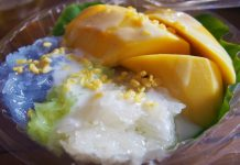 Mango and sticy rice cambodian food