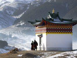 Prayer and Temple Tibet spiritual retreat