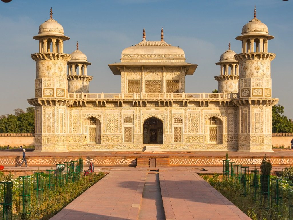 Agra mughal buildings, famous places in Agra