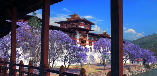 Punakha Dzong in Bhutan - carbon negative country