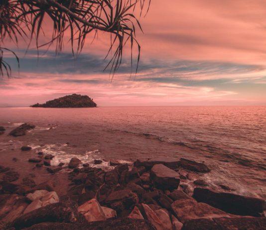 Sunset at Manukan Island - southeast asia travel