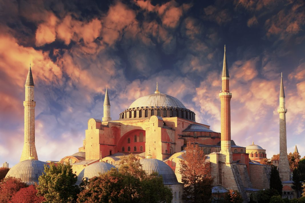Hagia Sophia in istanbul, Turkey. Famous Buildings Around the World
