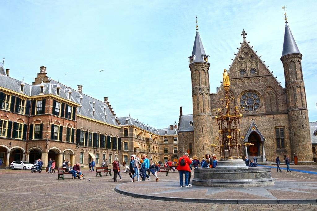 Hall of Knights in Binnenhof, 13th century.