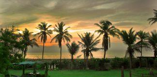 promenade beach in Pondicherry, India
