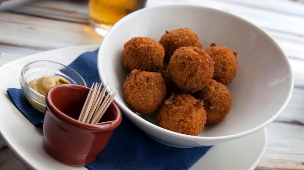 Bitterballen Dutch dishes