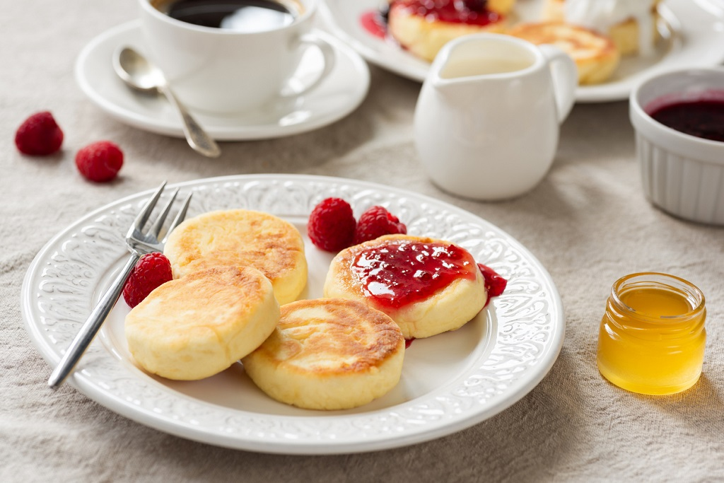 Russia Breakfast table