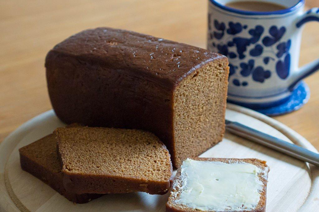 Dutch breakfast bread Ontbijtkoek