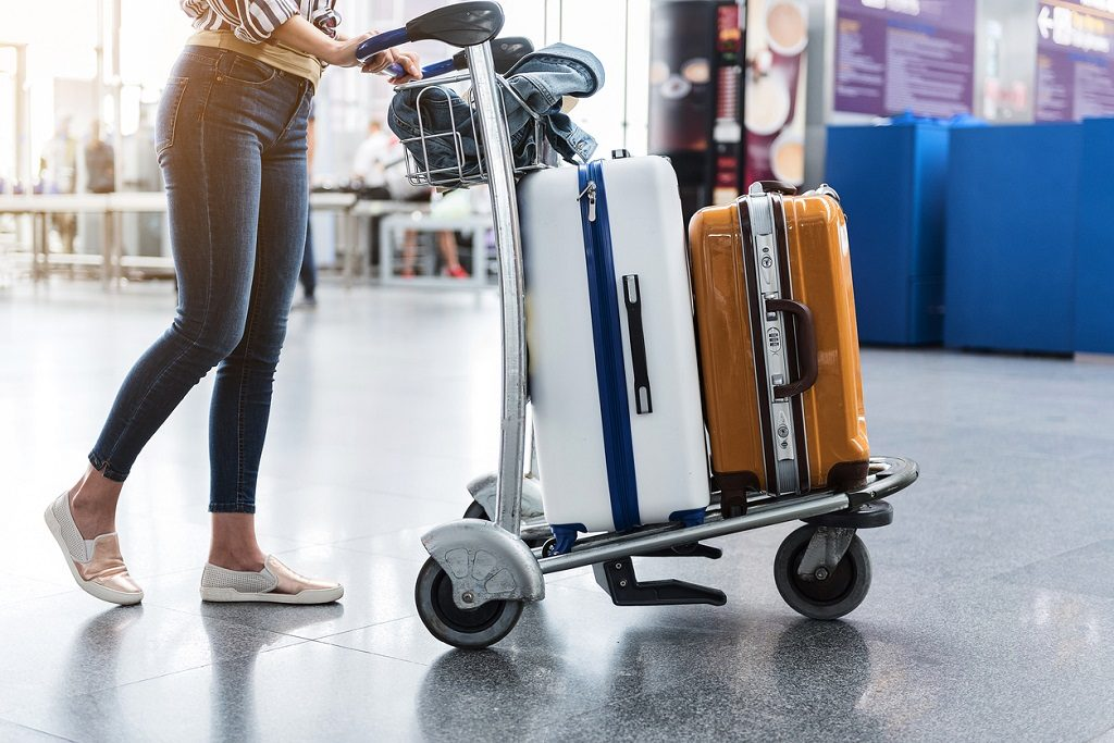 travel without luggage, suitcase, airport