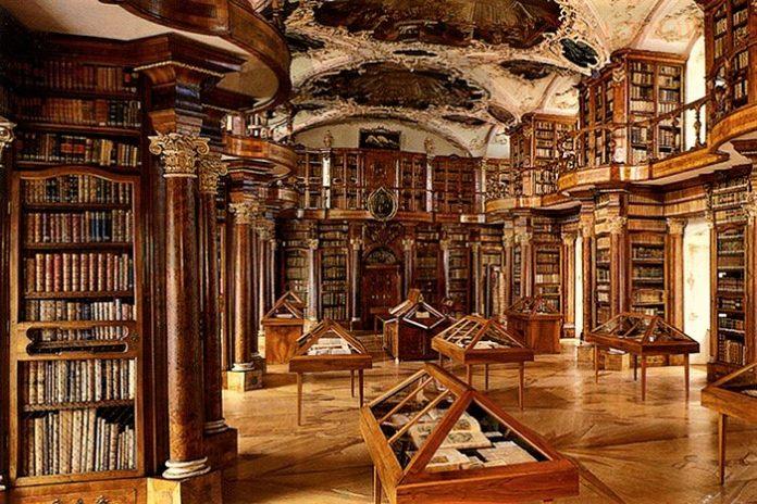 Stiftsbibliothek St-Gallen Switzerland