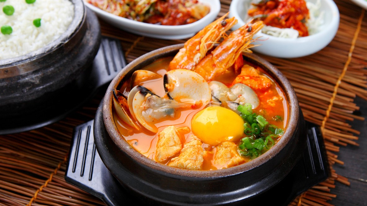 Mouth-Watering South Korean Food You HAVE TO Try | Travel.Earth