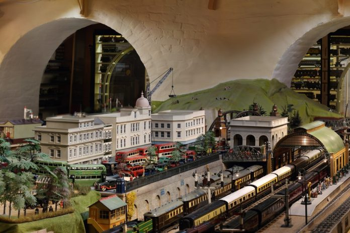 1930s model railway layout, Brighton Toy and Model Museum