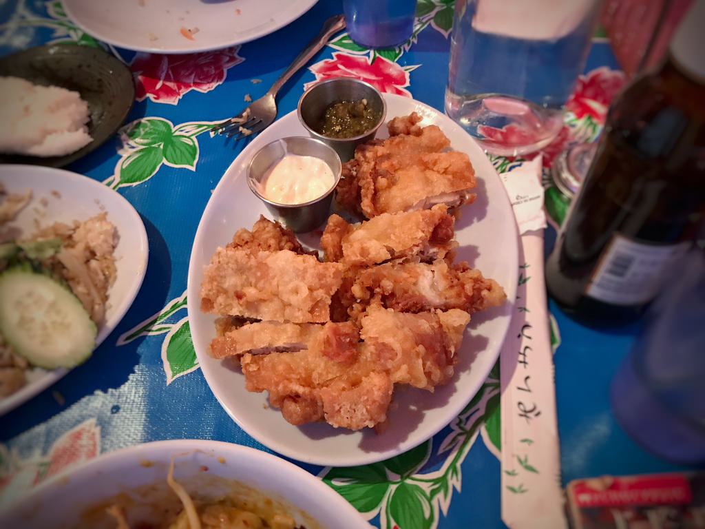 A plate of Gai Tod,Thai fried chicken - best street food in Bangkok