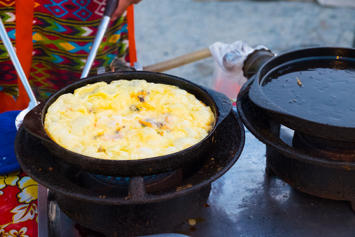 Hoy Tod; Crispy oyster omelet on Thai street food market