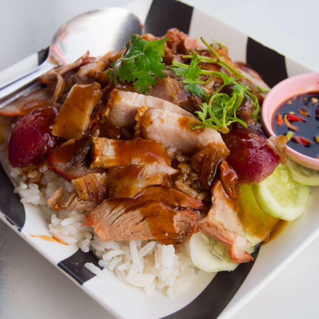 Mu Daeng, Thai rice with pork - best street food in Bangkok