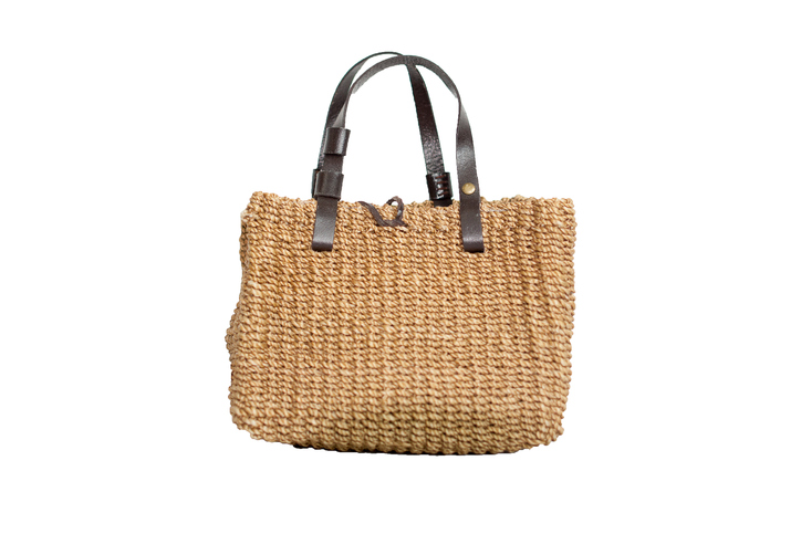 Jute, One of the commonly used beach bags