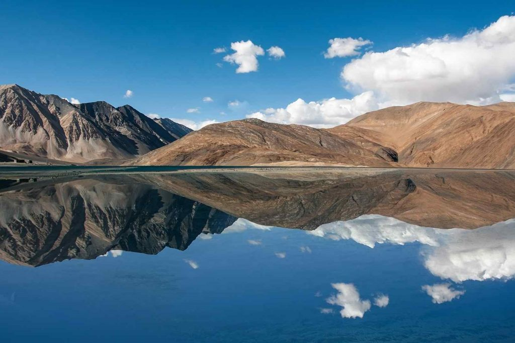 Pangong Tso Lake, Leh-Ladakh, Jammu and Kashmir, travel guide to Ladakh