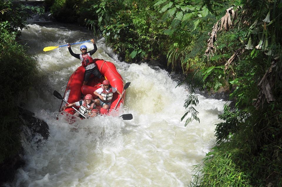 Kolad white water rafting