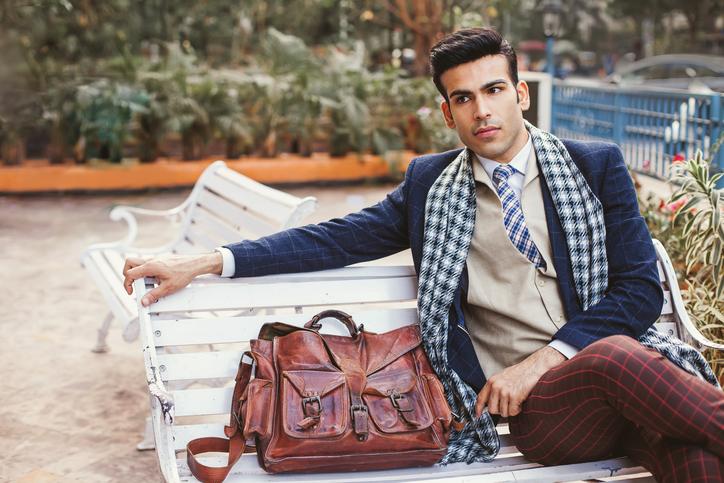 Man wearing formals - men's business travel wardrobe