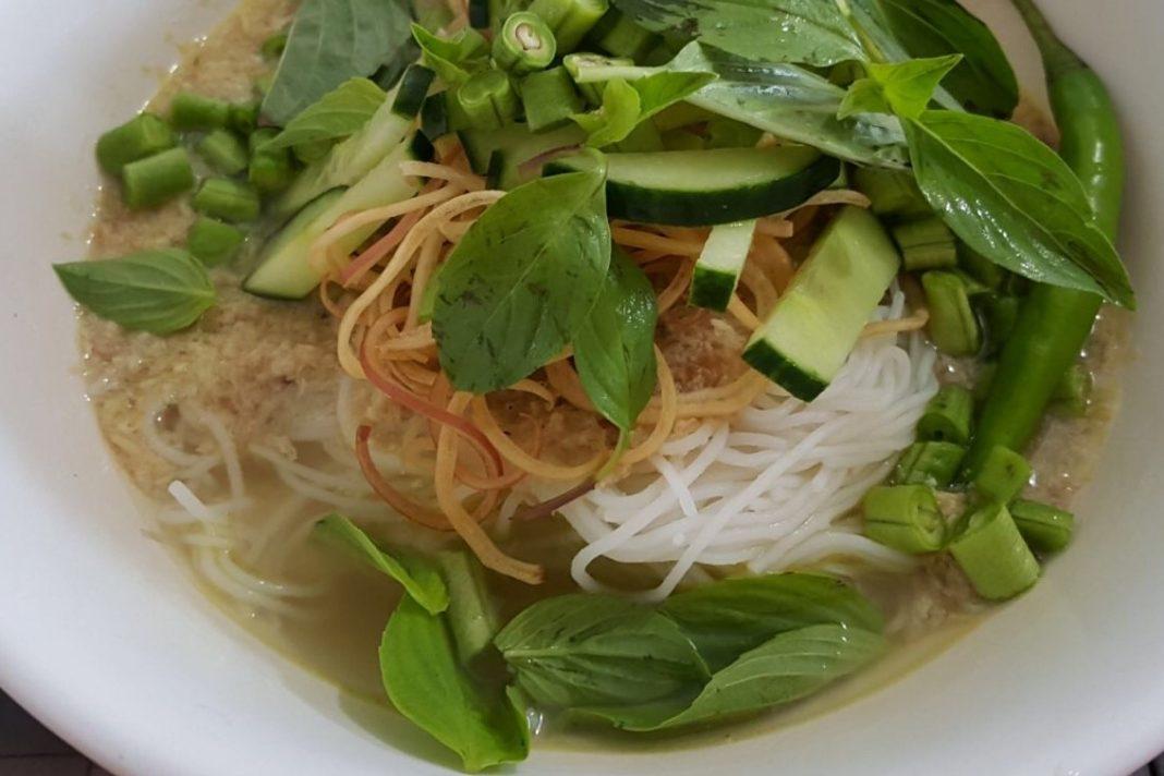 nom banh chok Cambodian Dishes