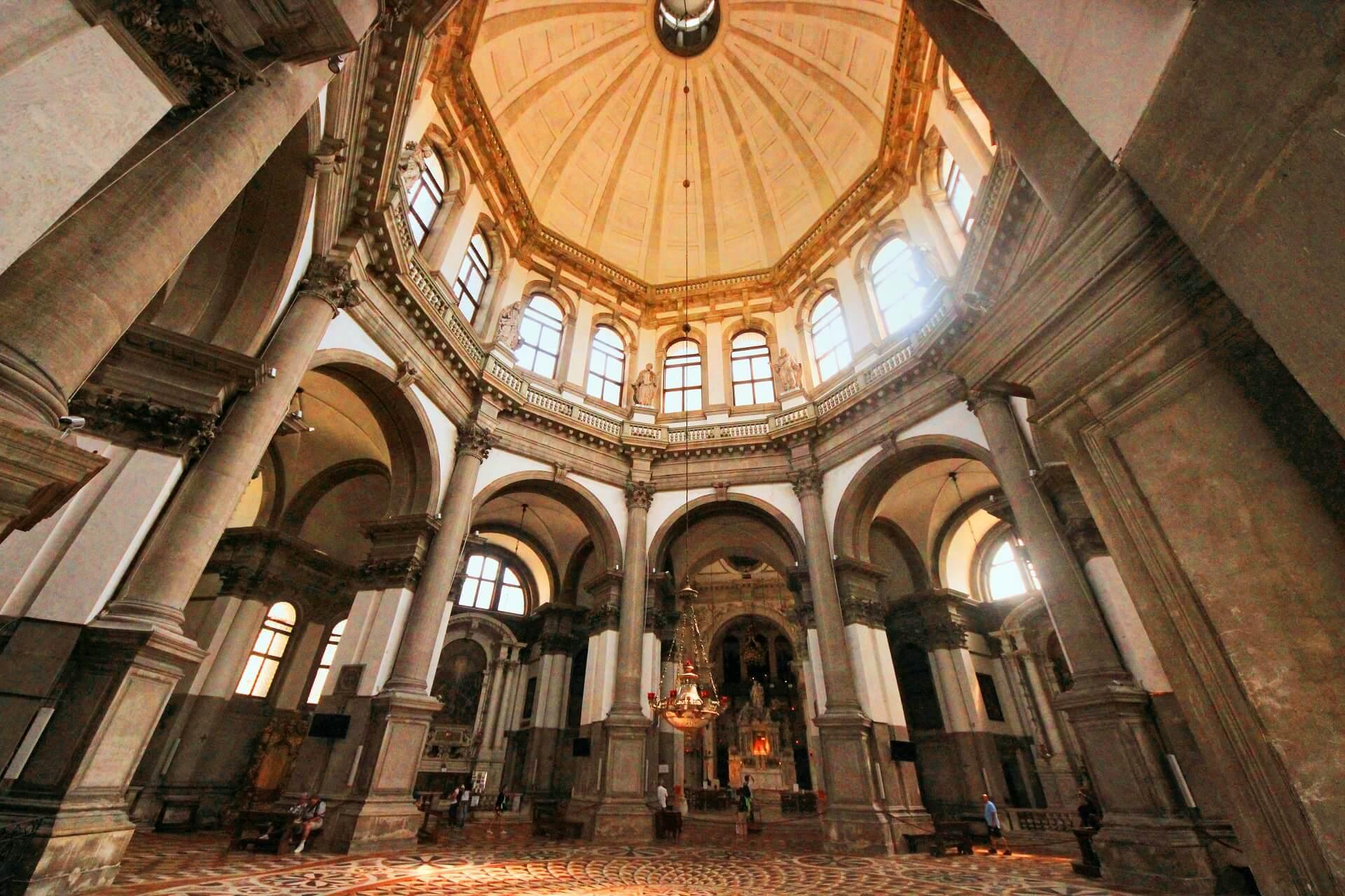Santa Maria della Salute Interior - Venice on a budget