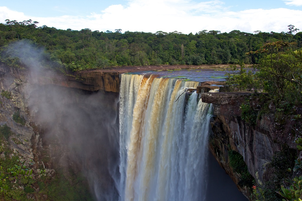 Kaieteur Falls, famous waterfalls in Guyana