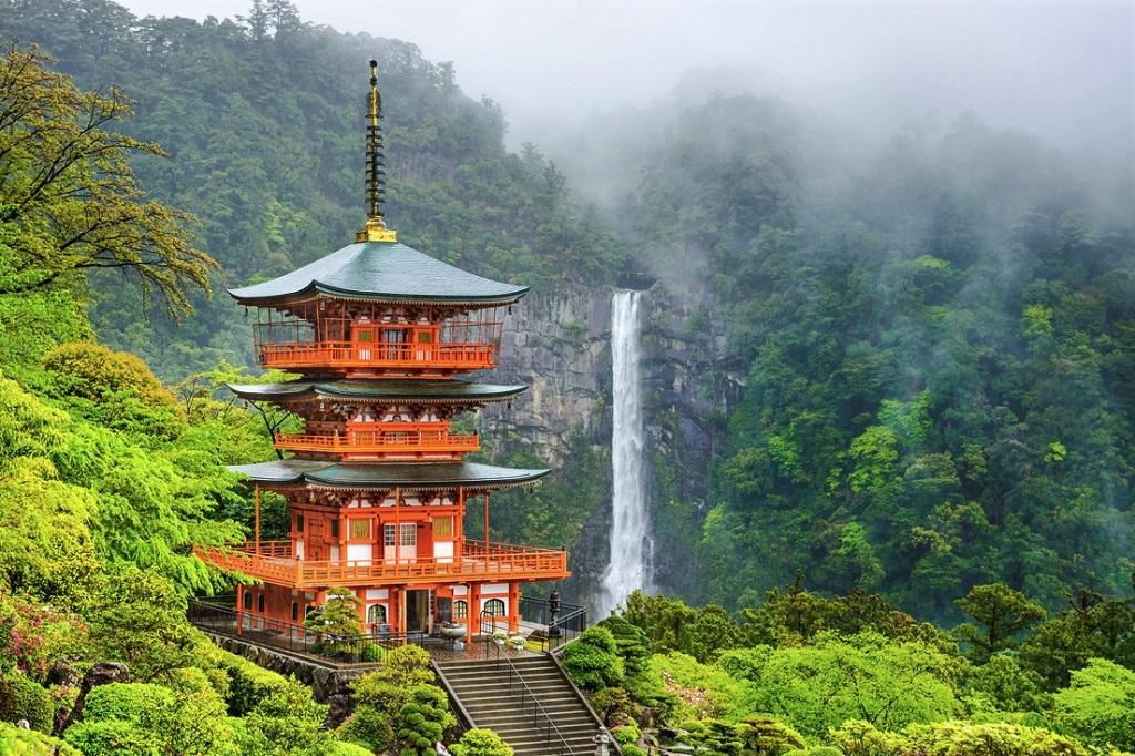 Nachi, Seiganto-ji Pagoda and Nachi no Taki waterfall.