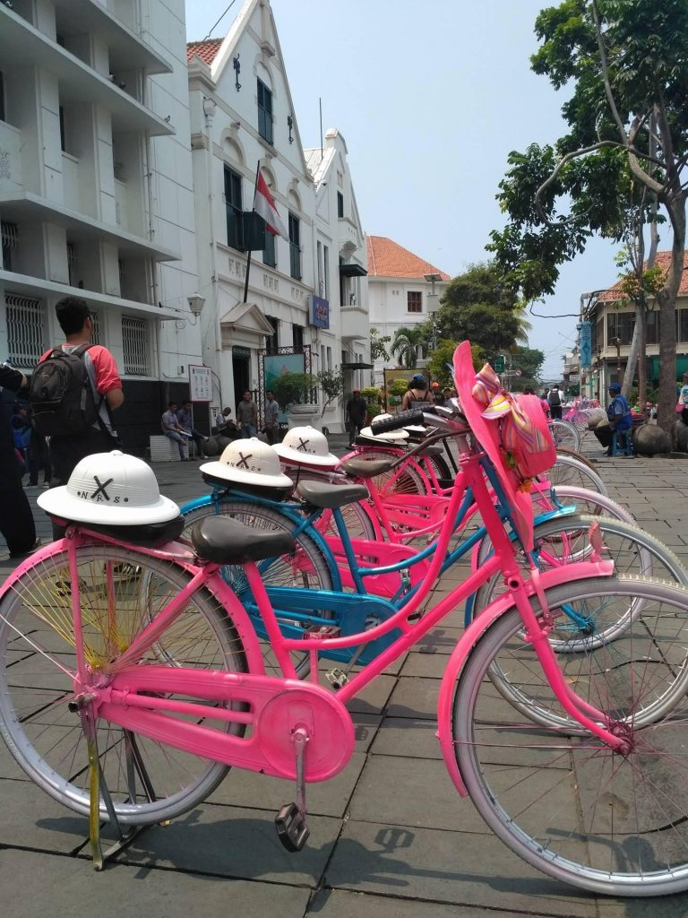 Colorful cycles in Jakarta