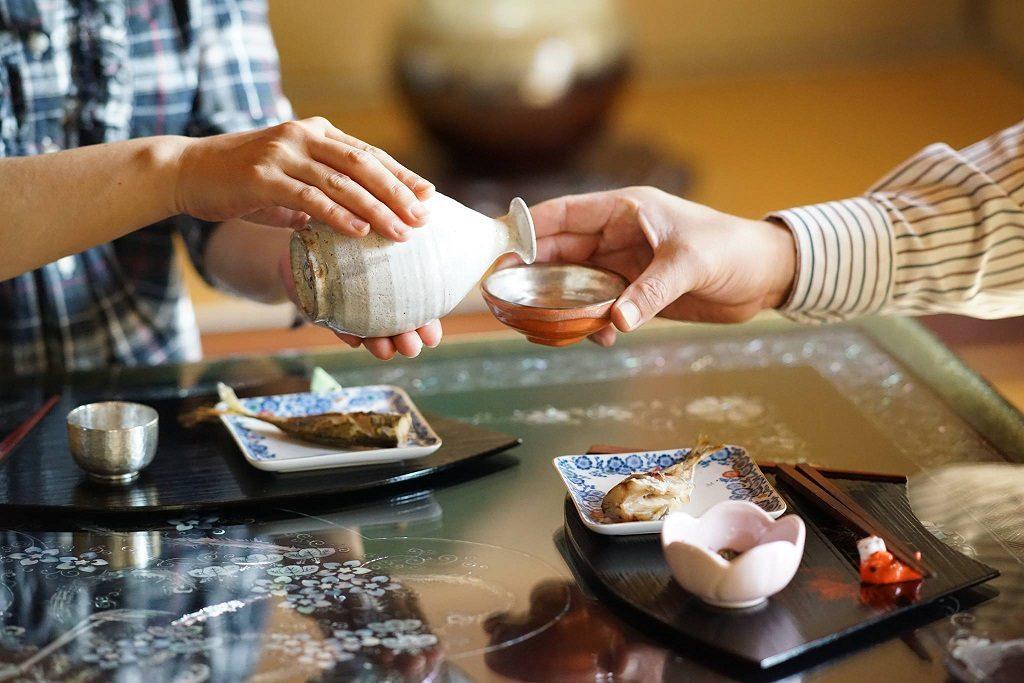 Japan drinking etiquette