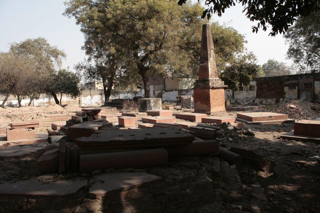 Lothian cemetery in Delhi