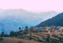 On the way to Barot