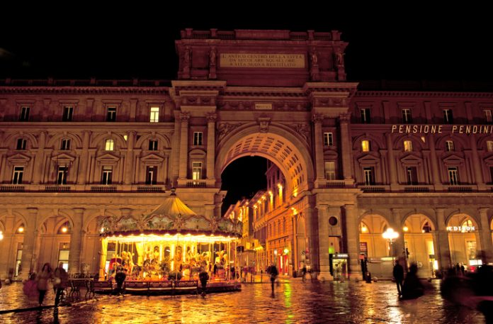 Florence square in the night, Game