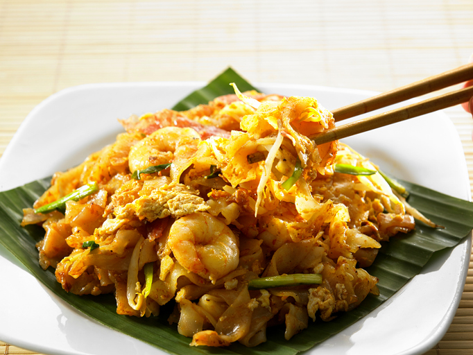 malaysian famous food ppenang fried kuey teow
