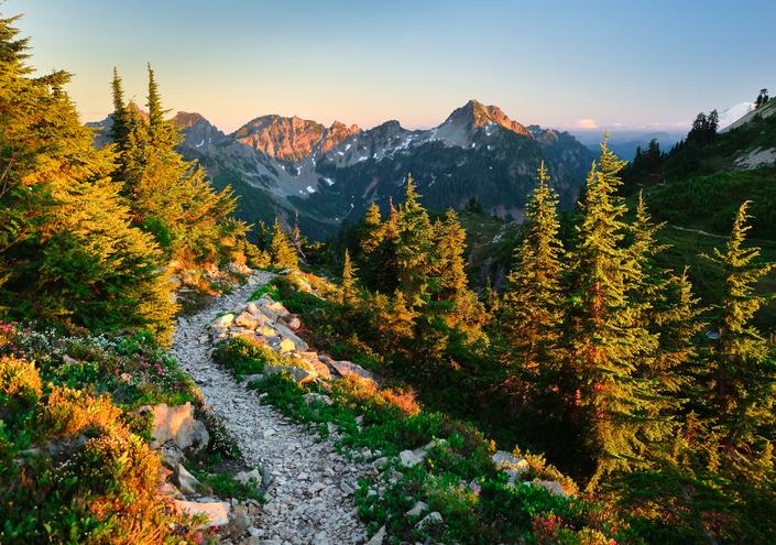 Alpine Lakes Wilderness, Cascade Mountains, Washington, Trekking Hikes