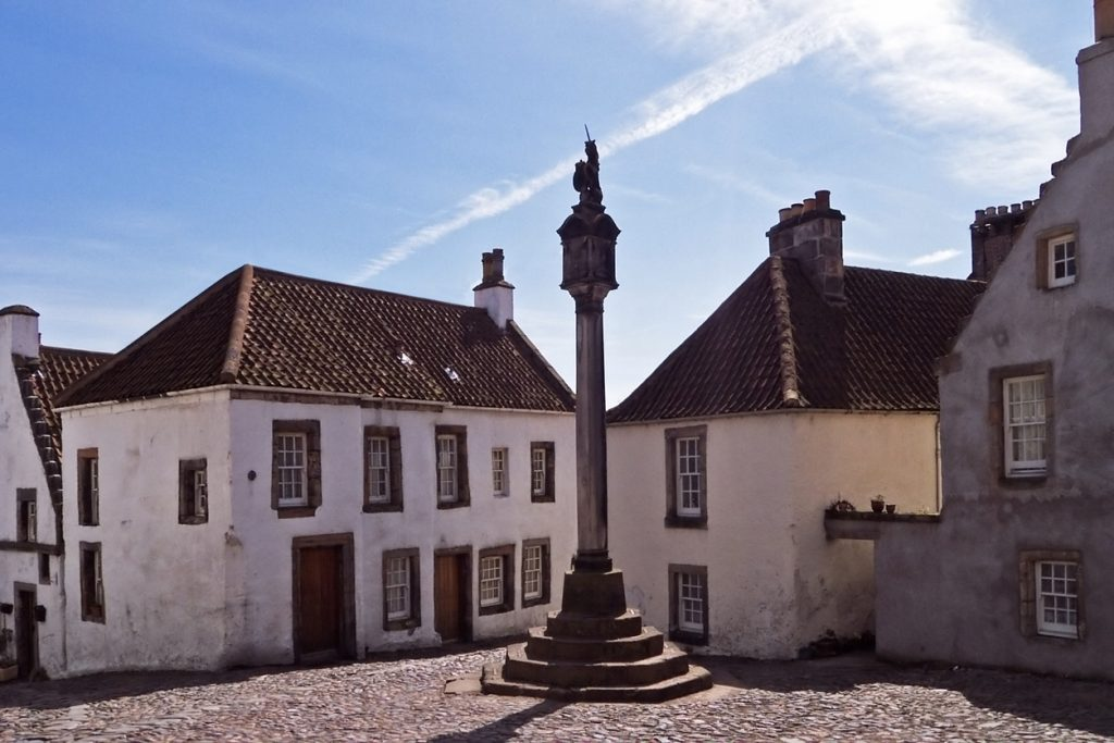 Culross Square
