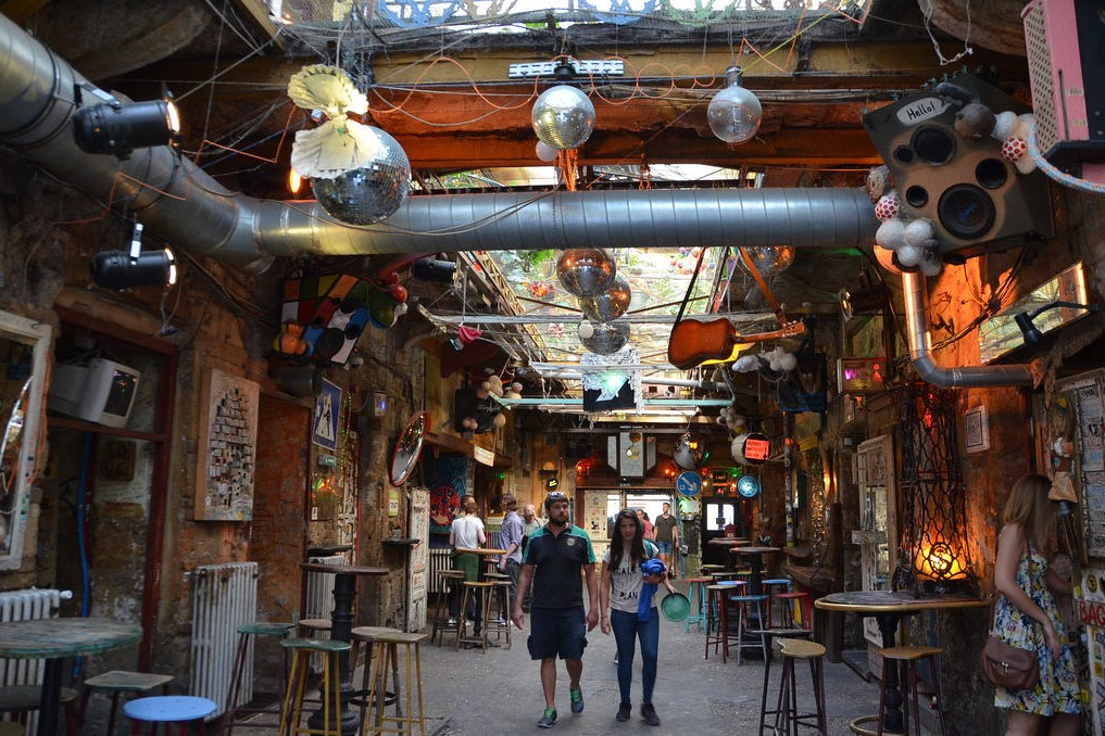 Ruin-Pubs-Budapest