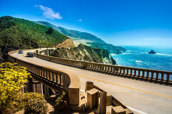 Bixby Creek Bridge on Highway #1 at the US West Coast traveling south to Los Angeles California travel tips