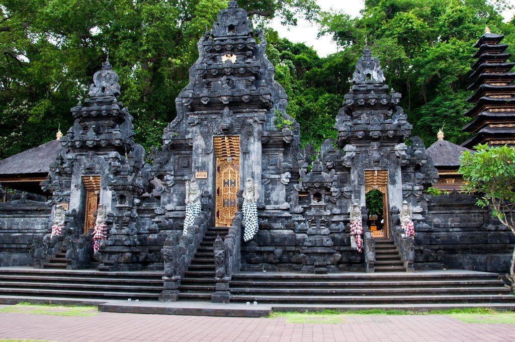Pura Goa Lawah Temple in Bali