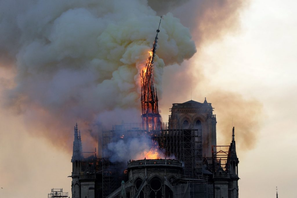 notre dame fire spire collapses