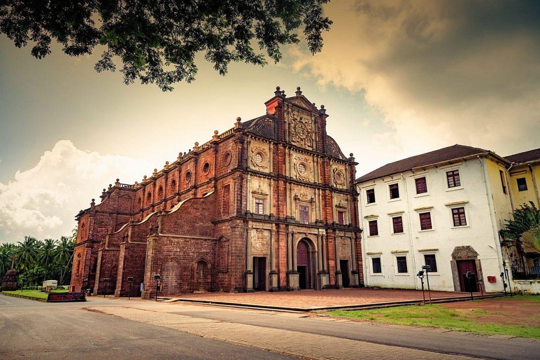 Basilica of Bom Jesus in Goa, Natural things, Heritage Sites of Goa, Festivals of Goa